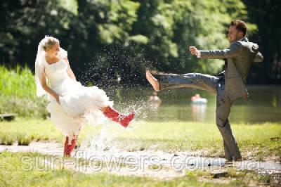 Кидать, или не кидать свадебный букет.