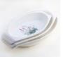 Блюдо белое керамическое с рисунком овал среднего размера