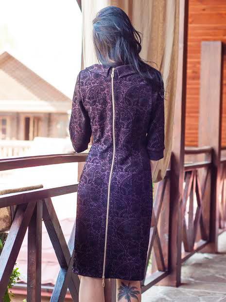 Нарядное женское платье с молнией на спинке