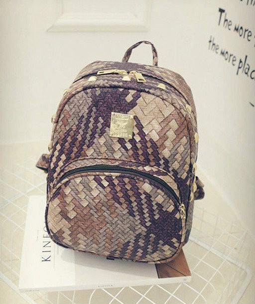 Стильный рюкзак с рисунком плетения
