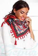 Красивый платок палантин.