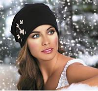 Красивая женская шапка с бабочками демисезонная WANDA черная