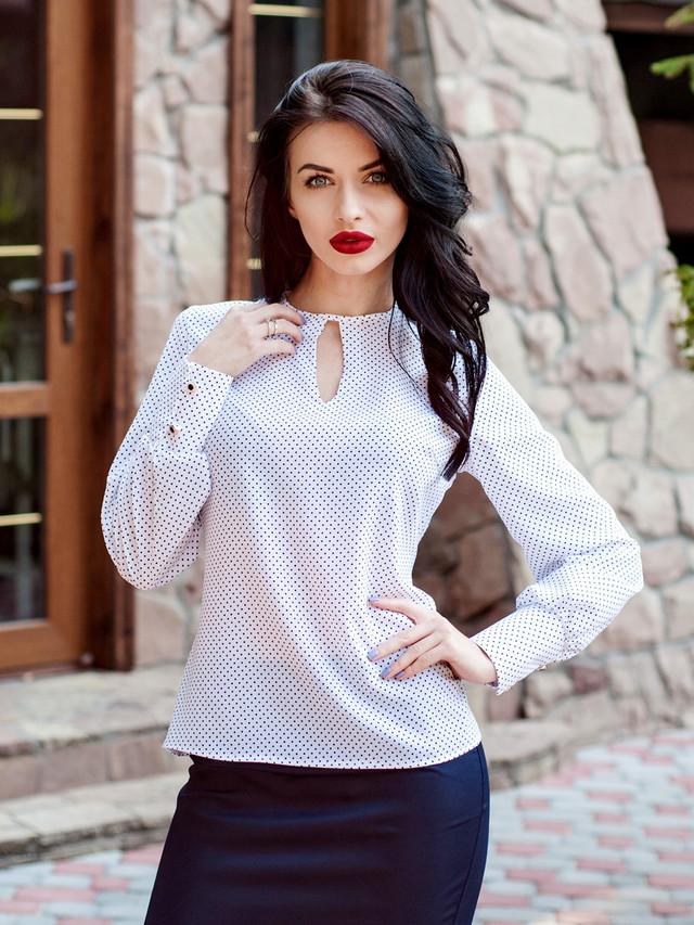 Красивая женская блузка для офиса