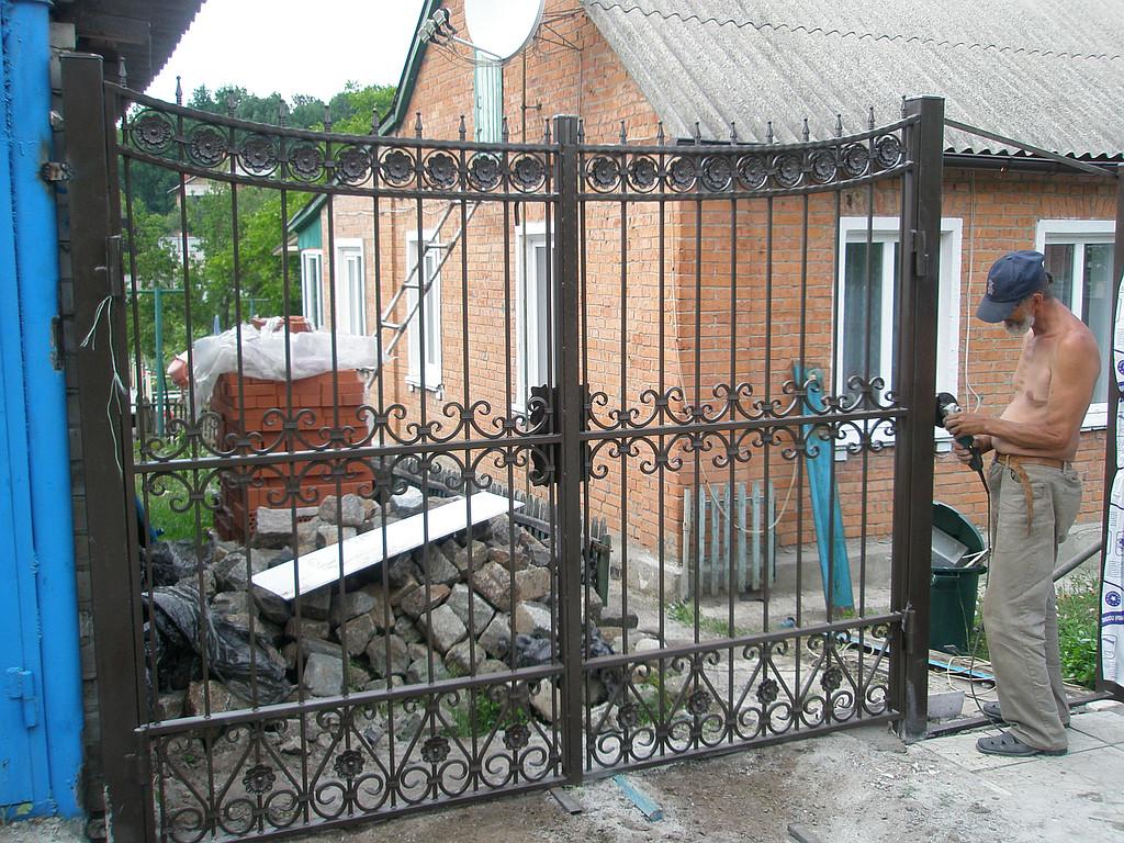 Кованные ворота с поликарбонатом 7