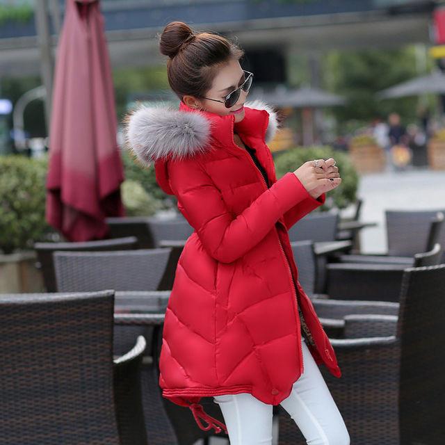 Женские пуховики и зимние куртки
