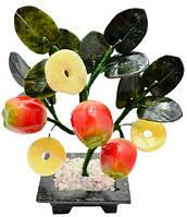 Три яблока с деньгами нефрит