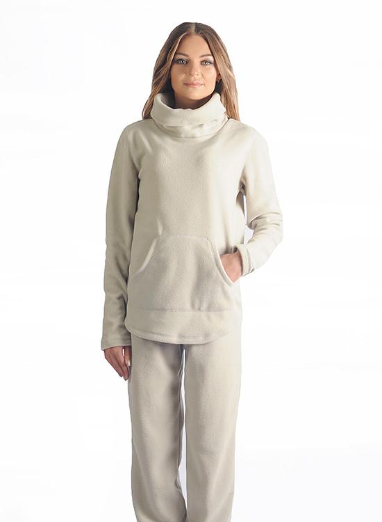 97615df7f504 Костюм состоит из штанов и кофты. Штаны с манжетом будут удобны при носке,  а кофта с горловиной-хомутом легко одеваеться и делает костюм не таким  строгим.
