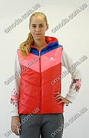 Женская стеганная безрукавка с логотипом Adidas красного цвета