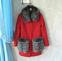 Кашемировое пальто с отделкой из меха чернобурки