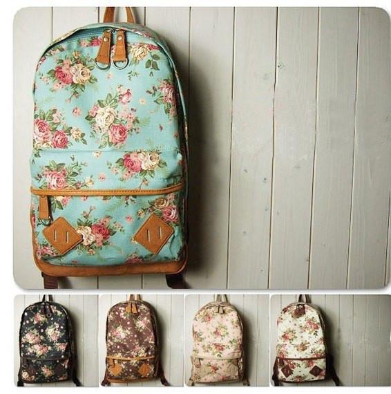 Рюкзак жіночий з квітковим принтом