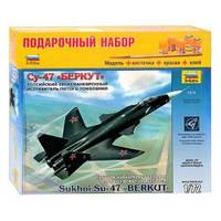 Сборная модель 7215 П Самолет Су-47 Беркут