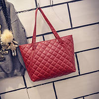 Большая женская стеганая сумка в стиле Chanel из кожзама красная