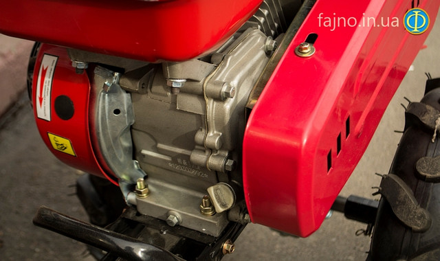 Горловина картера бензинового двигателя фото 4