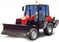 Трактор МТЗ -320 МК   в комплекті з відвалом і щіткою