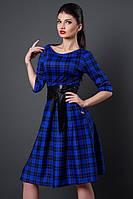 Красивое платье с пышной юбкой в складки