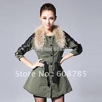 Оригинальная приталенная женская куртка парка с мехом енот