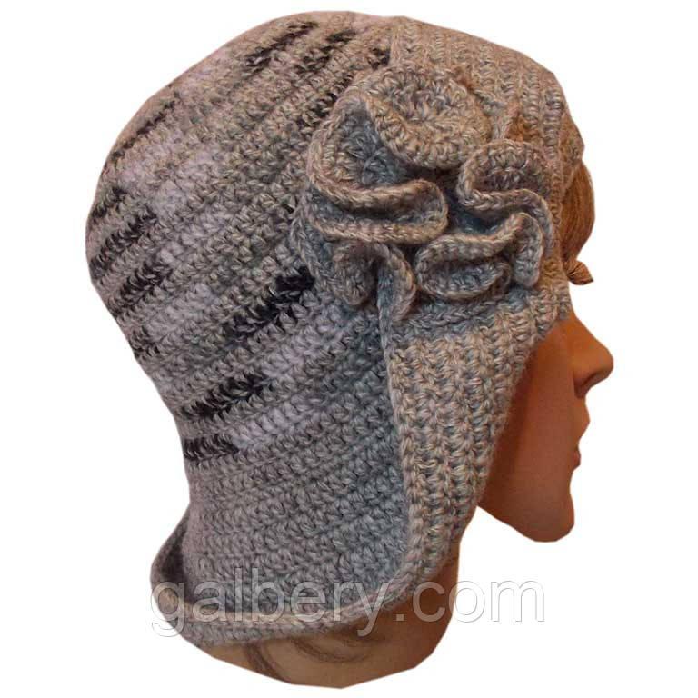 Женская вязаная шапка - трансформер с цветком