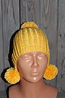 Вязаная детская шапка с помпонами