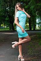 Женское приталенное платье со вставкой с гипюра