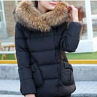 Куртка женская с мехом енот и накладными карманами