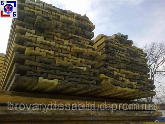 Договоримся про аренду строительных лесов, опалубки всему Киеву и Украине