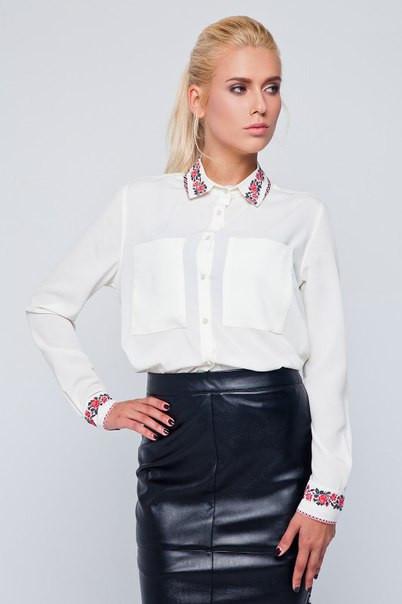 Блузка женская белая с вышивкой на воротнике