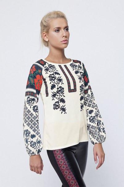 Женская блузка с принтом вышиванки