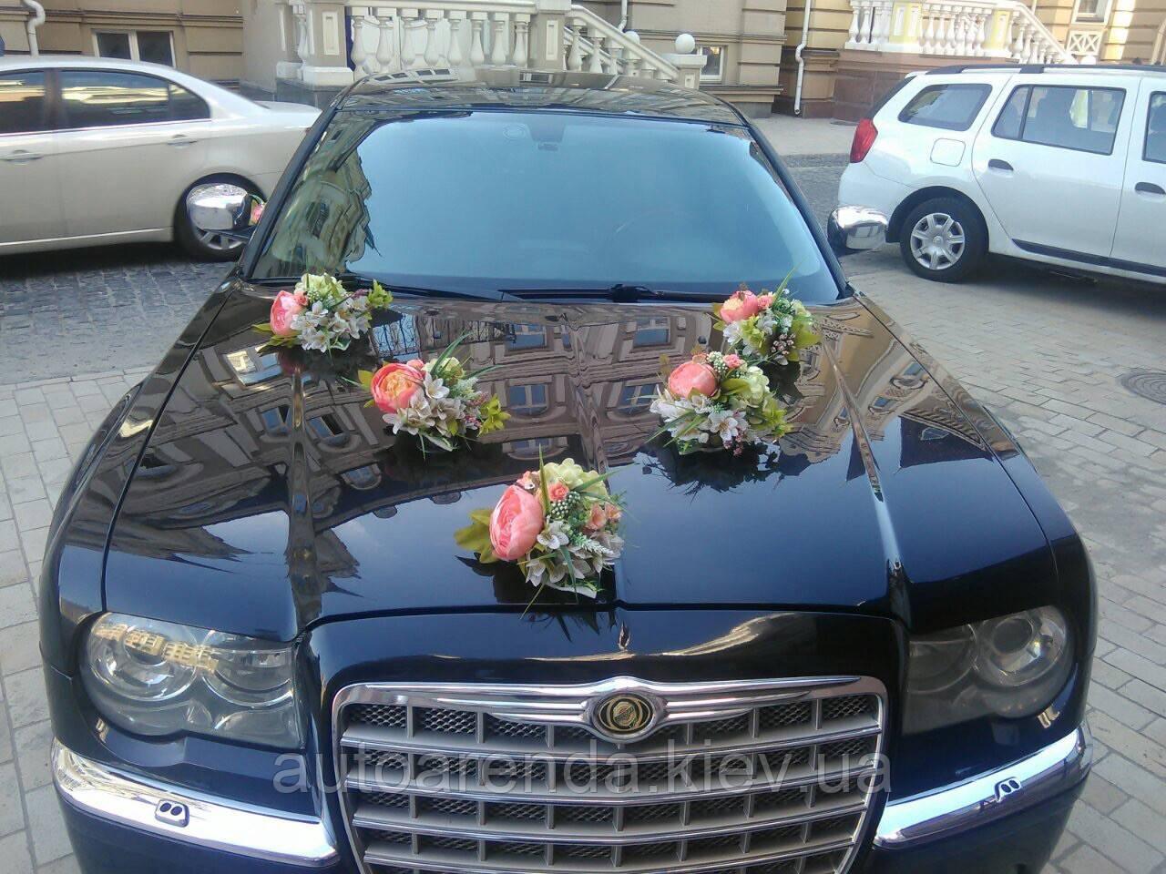 Аренда украшений на свадебный автомобиль в нежно ванильно розовых тоннах (17)