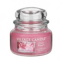 """Ароматическая свеча в стекле Village Candle """"Вишня в цвету"""". 315 гр/ 55 часов"""