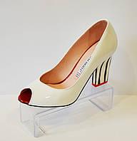 Белые женские туфли Bravo Moda 1342