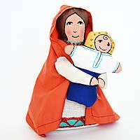 Текстильная скульптура Марии с младенцем в украинском стиле