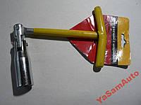 Ключ свечной на 16 с шарнирниром InterTool и уплотнителем для извлечения свечисвечи