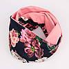 Розово-фрезовый снуд с цветочным принтом