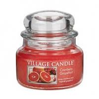 """Ароматическая свеча в стекле Village Candle """"Грейпфрут и клюква"""". 315 гр/ 55 часов"""