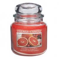 """Ароматическая свеча """"Грейпфрут и клюква"""" в стекле Village Candle. 455 гр/ 105 часов"""