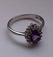 Кольцо с натуральным аметистом (8х6мм) и танзанитами. Серебро, родий