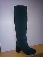 Женские осенние замшевые сапоги зеленого цвета