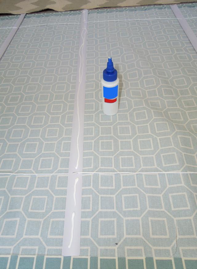 Изготовление римской шторы - наклеивание планок