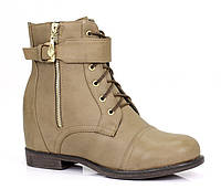 Очень удобные ботинки. Очень модные по привлекательной цене. Материал: эко-кожа. Самый хит сезона. Рекомендую!