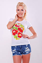 Белая женская летняя футболка с принтом Петриковская роспись красные цветы