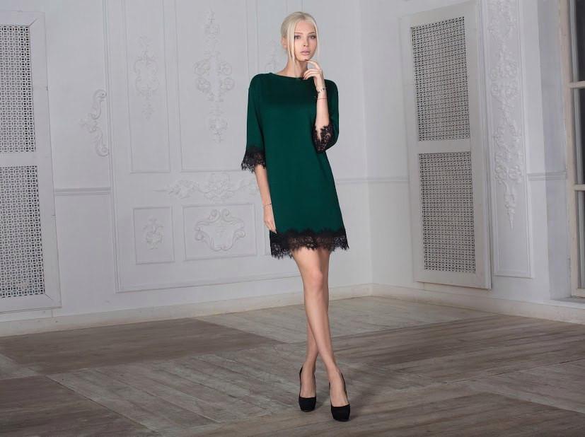 bde3bc60415 Стильное зеленое платье с кружевом черного цвета  продажа