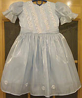 Голубое детское платье с вышивкой на 2-3 годика