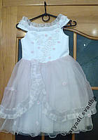 Нежное бело-розовое детское платье на 3-5 лет