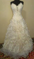 Романтичное свадебное платье цвета ivory, размер 42-46 (б/у)
