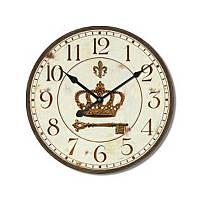 Часы настенные в винтажном оформлении