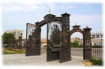 Ворота на храм в честь Святых Апостолов Петра и Павла в г. Тальное (Черкасская обл.) 5