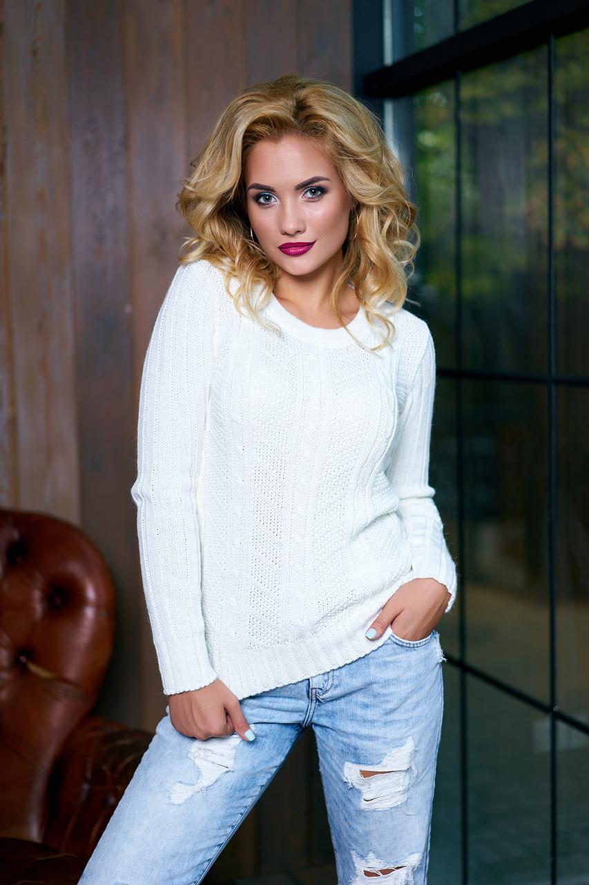 Белый однотонный женский свитер (молоко)