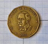 Доминикана 1 песо 2000г (АБ-25)