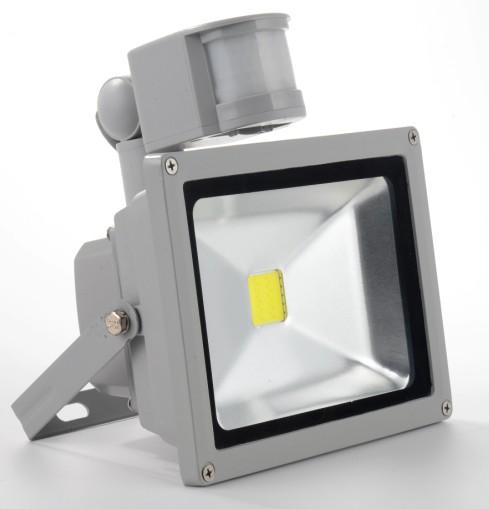 Светодиодный прожектор с датчиком движения  10W 6500K 830Lm