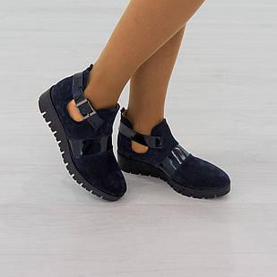 Ботинки из натуральной кожи 38 размер женские Woman's heel темно-синие с закругленным носком